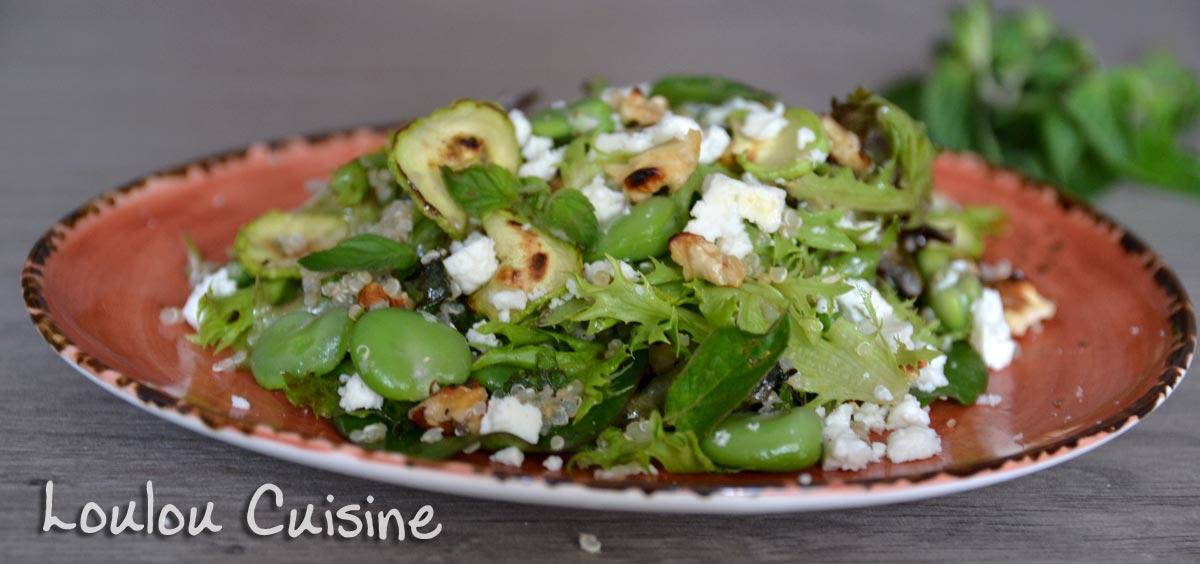 Salata cu quinoa, bob, dovlecei si feta